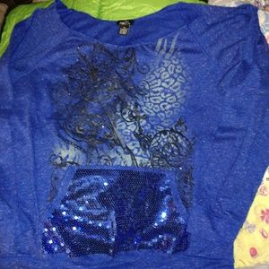 Super cit blue boat neck top with sequence.